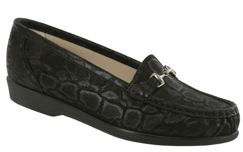 For those who like to keep it simple, here's a moccasin loafer with timeless style.